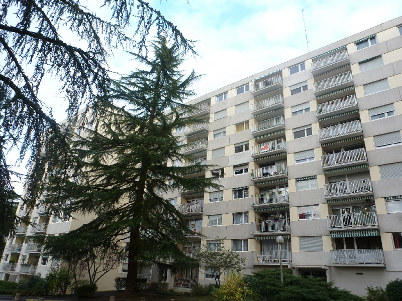 Location appartement 1 pi ce 69005 lyon groupe slci for Appartement atypique 69005